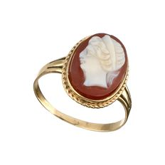 14 kt Yellow gold ring with cut cameo - ring size 17.75