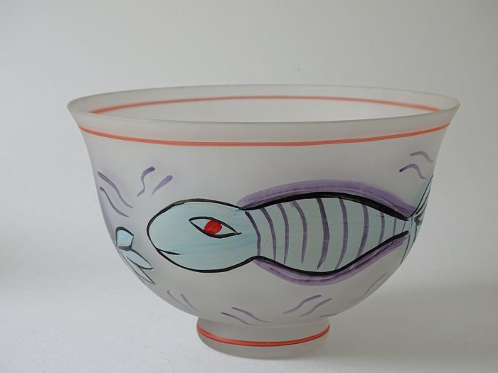Ulrica Hydman Vallien (Kosta Boda) - Hand-painted bowl with fish - Atelje 98/2