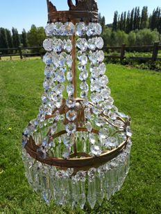 Crystal chandelier of 300 pieces