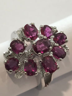 18 kt white gold cocktail ring with rubies, Italian size: 13