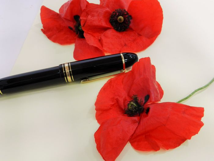 Montblanc fountain pen 149. Black Resin