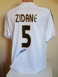 Zinedine Zidane - Juventus, Real Madrid - hand signed Real Madrid Football Shirt + COA + photo proof autograph session