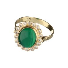 14 kt yellow gold ring set with a green agate and 18 brilliant cut zirconias - ring size 19