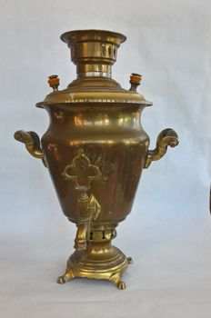 Ornamented solid copper Russian samovar - 1st half of the past century - ANTIQUE