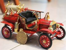 Road Signature - Scale 1/18 - Ford Model T Fire Engine 1914
