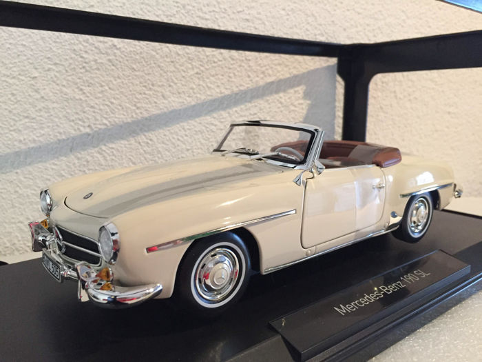 Norev - Scale 1/18 - Mercedes-Benz 190 SL 1957 Ivory