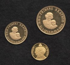 The Netherlands – Various medals 1966/1968 'The Royal Family' (3 different ones) - gold
