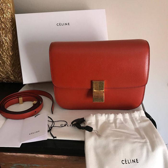 Celine Medium Classic Box Shoulder Bag - Catawiki a286f9e111e93