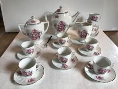 Coffee set 22 pieces in painted porcelain decor of Peony - France - Middle XXth