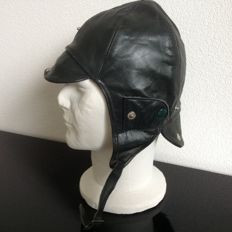 LEATHER  Driving / Flying   Helmet.  Size 58 cm. British racing Green   New from  Old stock.     Never used