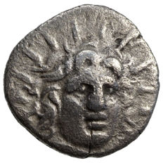 Ancient Greece – Karien – Rhodos (~125-88 BC) AR hemidrachm, Helios, Rose
