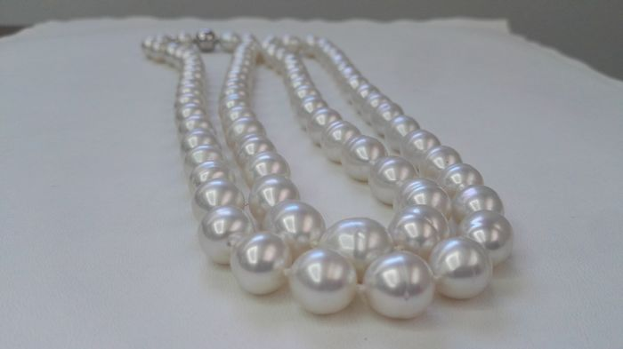 Australian pearls necklace, 11-12 mm