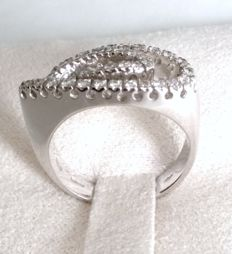 18 kt white gold ring with diamonds 0.33 ct Size: 14 (adjustable on request)