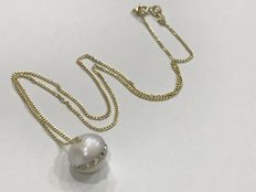 18 kt/750 yellow gold – Choker with freshwater cultured pearl and zirconias 8mm – 40.5cm