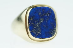 Yellow gold signed ring set with lapis lazuli, sturdy model, ring size 20.5/21