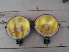 Two used FOG LIGHTS by the brand VEB with a diameter of 150 mm from the 1980s and 1990s.