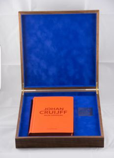 Johan Cruijff - autobiography - bound, numbered edition in walnut box.