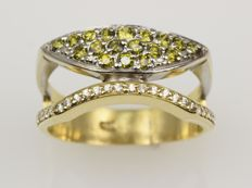 18 kt gold. Ring. Peridot. Cut: 57 (18.2 mm in diameter)