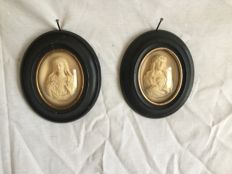 2 black frames. Jesus and Mary in foam, circa 1870, Napoleon 3 France