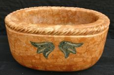 Verona Red marble oval stoup with an Alpi green marble inlay - Italy, Ferrara - 20th / 21th century