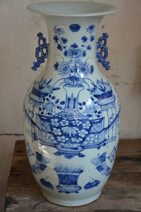 Fine blue white ground celadon vase with antiquities - China - late 19th century