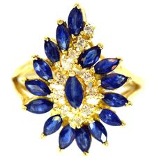 Yellow gold ring with sapphire and diamonds of 2.50ct in total - ring size 55 / 17.5mm - head dimensions 22 x 16mm  ***no reserve price***