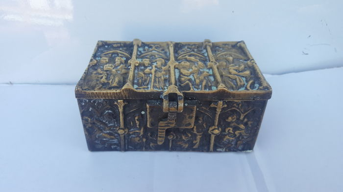 Heavy bronze neo-Gothic jewellery box - late 19th century
