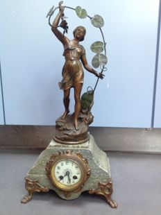 Marble mantel clock with patinated Zamak statue 'Ondine' by Charles Perron (1862-1934) - France - Late 19th century