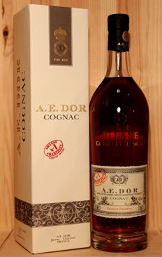 "A.E. Dor ""Albane"" Grand Champagne Cognac, Famille Reserve, including original gift box, 70cl, 40%vol"