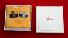 Lot of 2 Pin's Leica Collector M6 + U-R