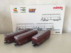 Märklin H0 - 46261 - Three-piece set lime carriages with hinged lids of the DB, weathered.