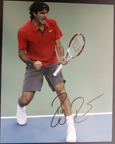 Tennis player Roger Federer authentic autographed photo