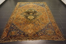Collector's item, hand-knotted Persian carpet, Qashqai Shiraz nomad carpet, wool on wool, made in Iran, 225 x 300cm