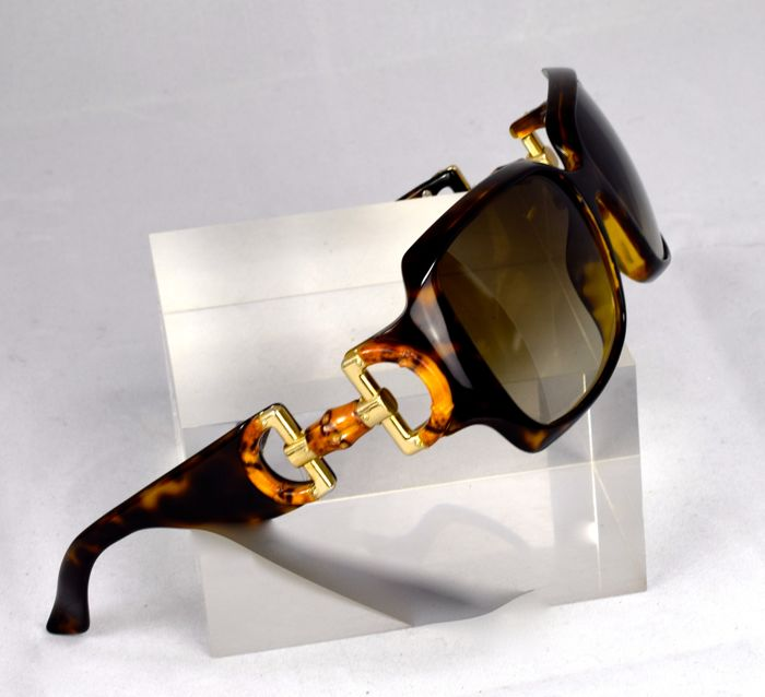 Gucci - sunglasses - women