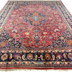 "Signed Meshed - 368 x 292 cm - ""XXL Persian rug in beautiful condition"""