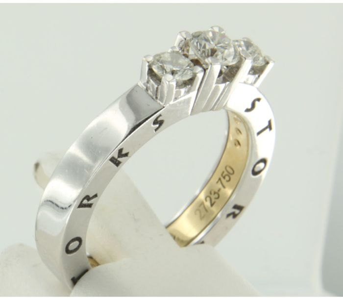 Storks - 18 kt bicolour gold three-stone ring set with brilliant cut diamonds with engraving - ring size 16.5 (52)