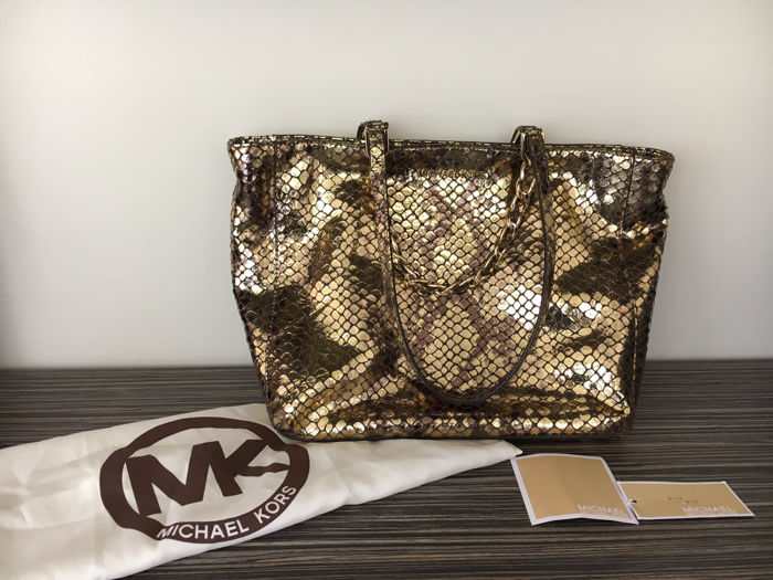 573fc520914f Michael Kors – Limited Edition – Harper Gold Reptile - Catawiki