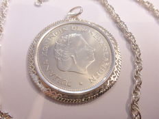 .925 silver necklace  with a coin in a decorative pendant – 82 cm – 51.9 grams