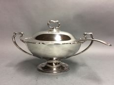 Beautiful silver plated tureen with lid and serving spoon, Atkin Brothers, England, ca. 1880