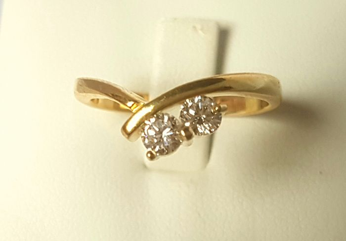 14k gold ring with 2 large diamonds - 17.75 mm