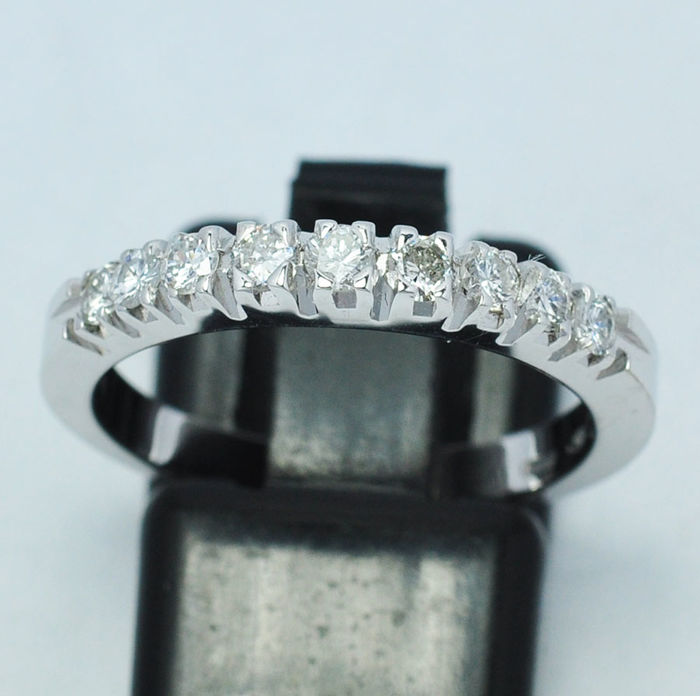 18 kt. solid gold riviera ring with 7 diamonds 0.45 ct  - size 17,31 mm