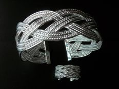 925 silver rigid bracelet made up of interlaced plates, with matching ring – Adjustable