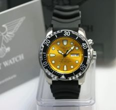 Yellow army watch, Germany, made by Eichmüller, diver's watch, 1000m - men's wristwatch