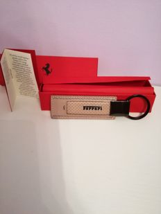 Ferrari calf leather keyring