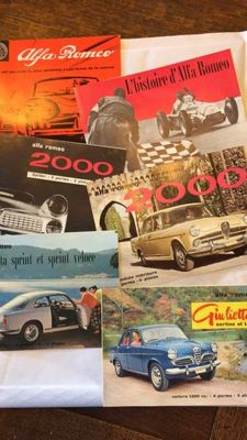 Alfa Romeo - 1959 - Folder with 5 brochures - 2000, Giulietta, Sprint, Spider - open 33 cm x 11.6 cm, closed 16.5 cm x 11.6 cm - 11/1959