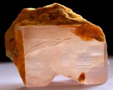 Large Peach Color Terminated Morganite Crystal - 70 x 50 x 15mm - 158g