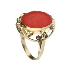 Ring – Yellow gold – Precious coral