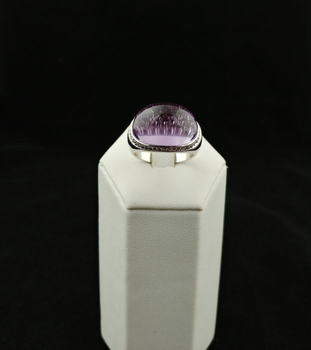 Vintage 18 kt white gold ring with 0.82 ct diamonds and amethyst – made in Italy – Size 15 (EU).