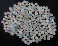Lot of Welo opals - beads of 2 to 5.5mm - 40 cts (193)