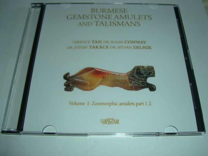 3 books  /CD-version/ presenting more than 1200 zoomorphic,anthropomorphic and pectoral beads - the reference in the world